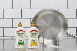 Commercial Photography | Styled Photography | Melbourne Photography | Dishwashing liquid and silver pan