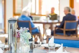 Commercial Photography | Melbourne Photography | Interior image of nursing home with men and women