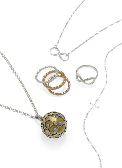 Product Jewellery Photography | Melbourne Photography | Ring and necklace set on white background