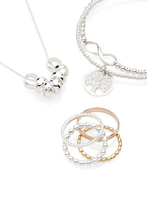 Product Jewellery Photography | Melbourne Photography | Ring and necklace set in gold, silver and white gold
